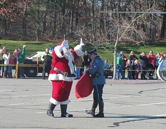 Santa visits Patriots Square by Helicopter @ Patriot Square | Dennis | Massachusetts | United States